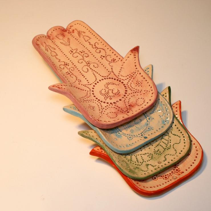 Керамическая ладошка-Хамса. Подставка под свечи, аромо-палочки.