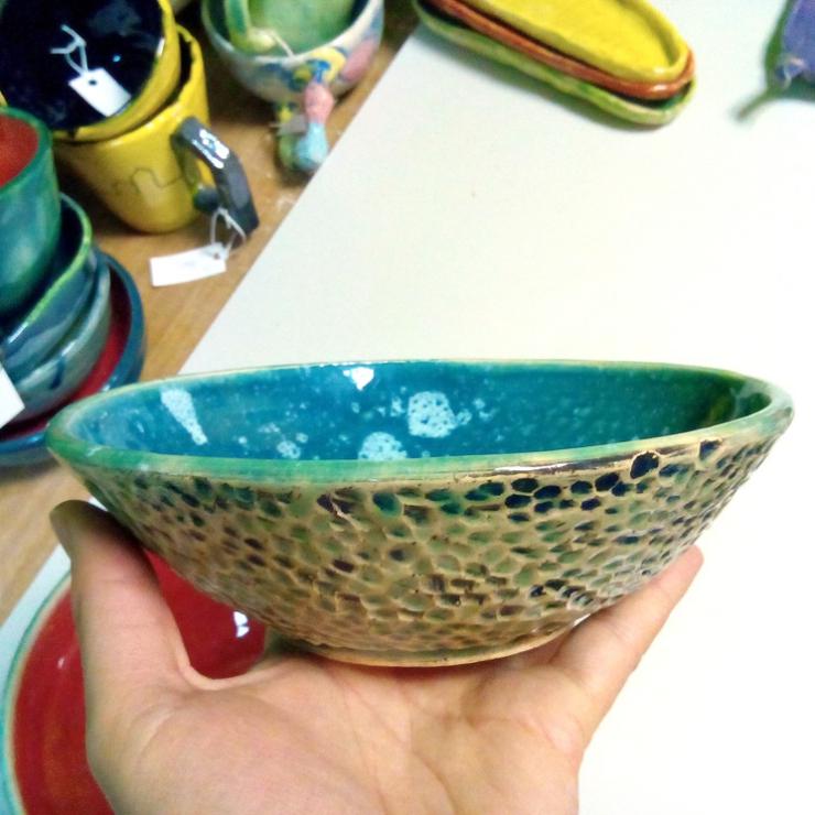 Керамическая глубокая тарелка. Голубая.