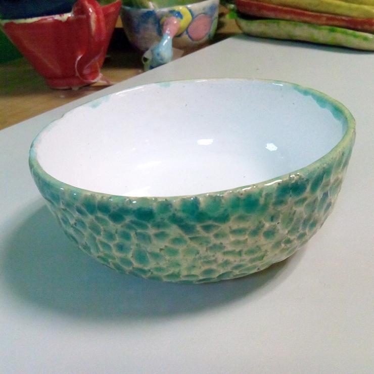 Керамическая глубокая тарелка. Светло-голубая.